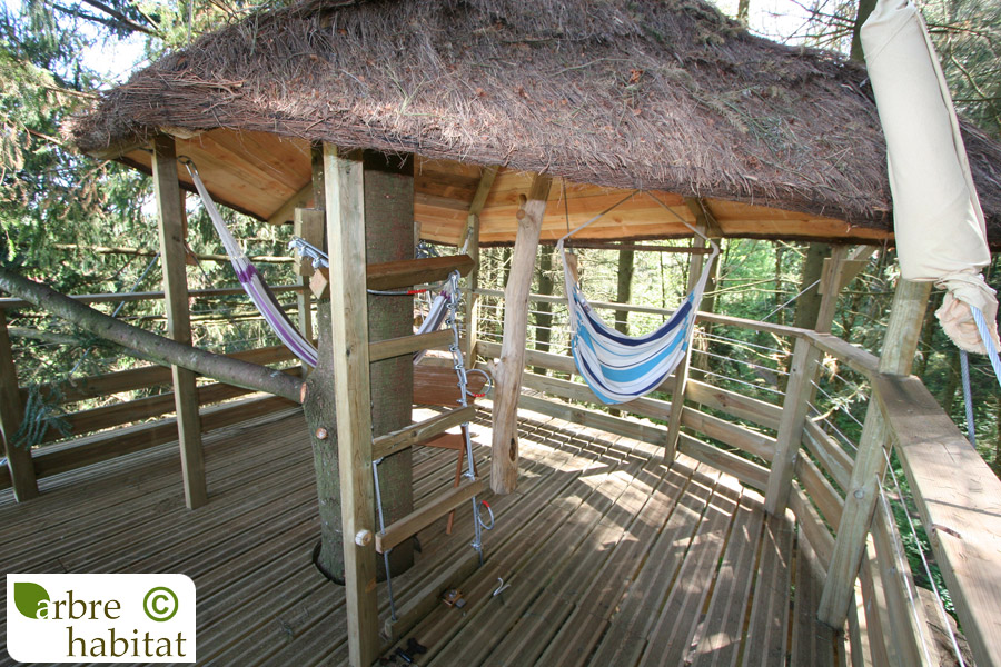 terrasse perch e arbre habitat. Black Bedroom Furniture Sets. Home Design Ideas