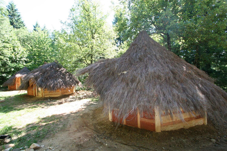cabanes m di vales arbre habitat. Black Bedroom Furniture Sets. Home Design Ideas