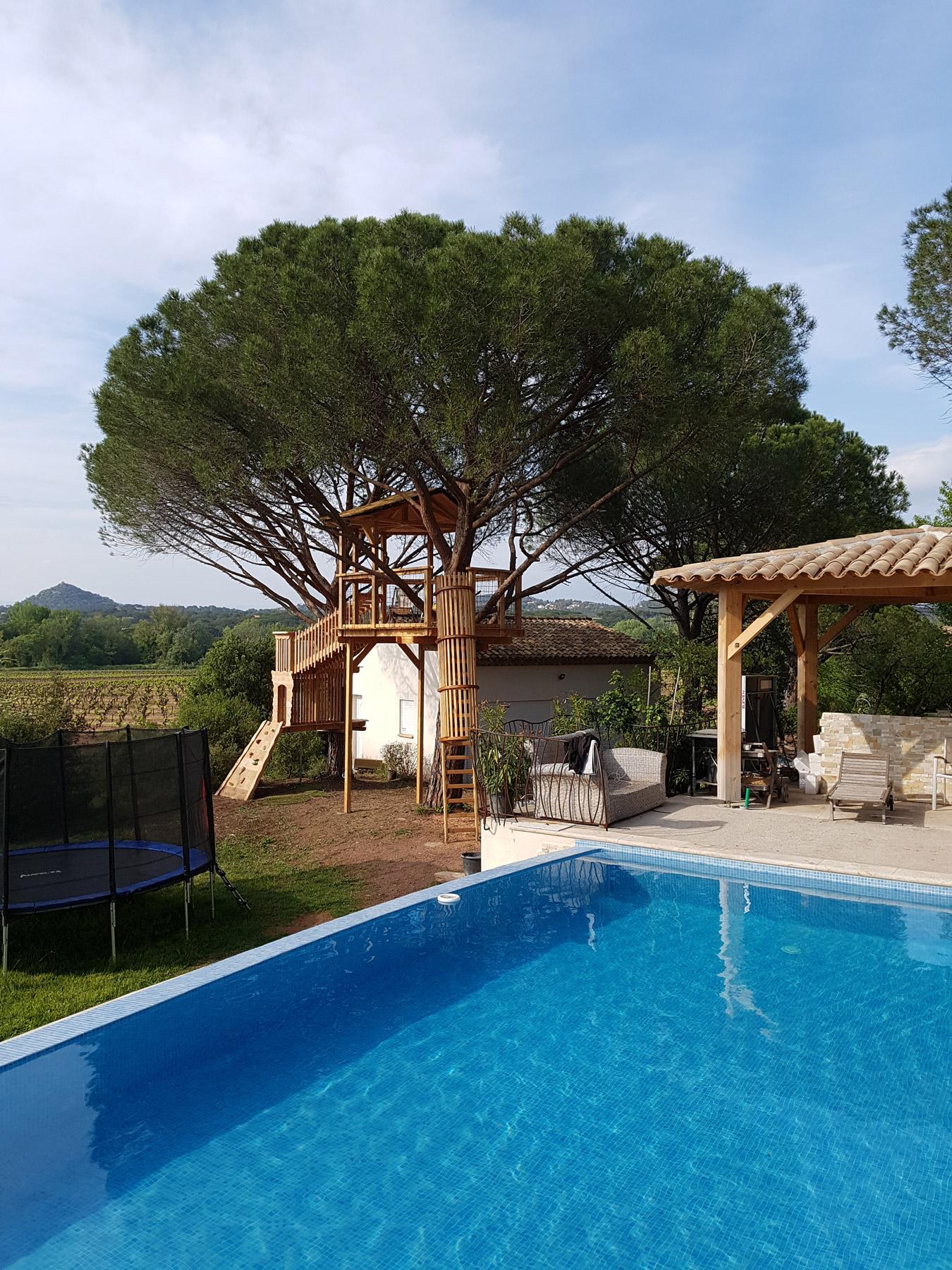terrasse d tente et cabane de jeux arbre habitat. Black Bedroom Furniture Sets. Home Design Ideas